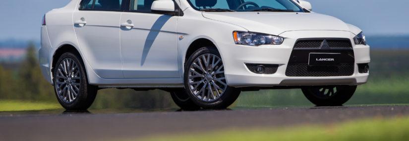 58933c4753 Mitsubishi Lancer 2018 ganha duas novas versões